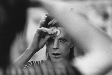 Make-up in Mirror. UK,1973