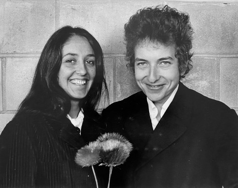 Bob Dylan with Joan Baez at Newark Airport. New Jersey, 1964