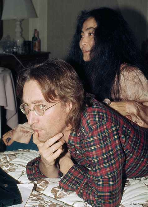 John Lennon & Yoko Ono by Bob Gruen. NYC, 1977