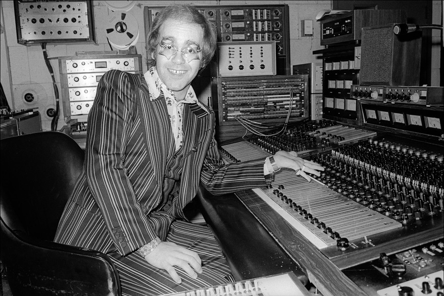 Elton_John_Studio.jpg