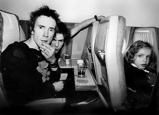 Johnny Rotten & Sid Vicious by Bob Gruen. Europe 1977