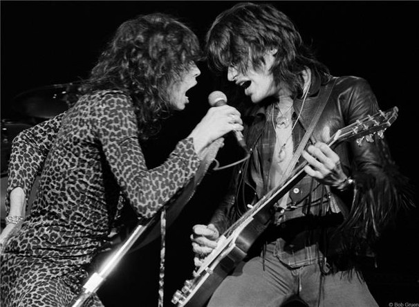 R-275_Aerosmith_Tyler_Perry1976_Gruen.jp