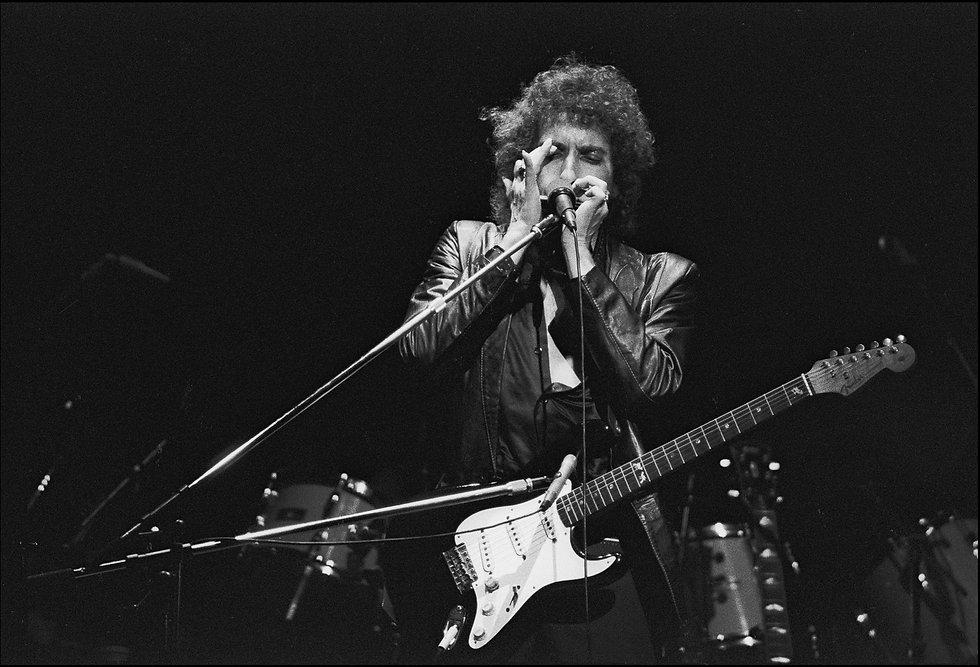 Bob_Dylan_Harp.jpg
