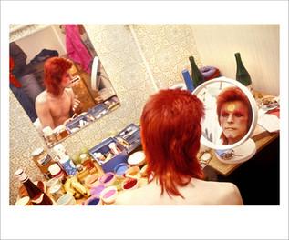 Bowie Make Up Circle Mirror. Scotland, 1973