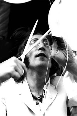 John Lennon Balloons (1).JPG