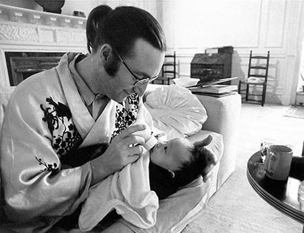 ohn Lennon & Sean Lennon - White Room at the Dakota Dakota building, NYC 1975