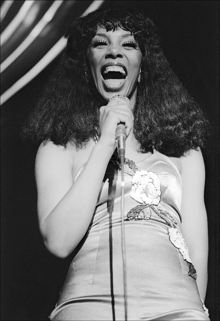 Donna_Summer_Sings_Laughs.jpg