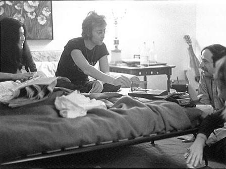 (L-R) Yoko Ono, John Lennon and Henry Edwards St. Moritz Hotel, NYC 1972