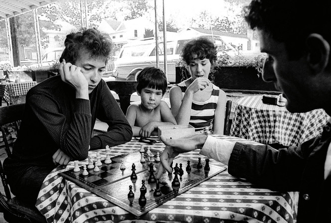 Bob Dylan and Victor Maymudes, at a restaurant in Woodstock, New York, in 1964