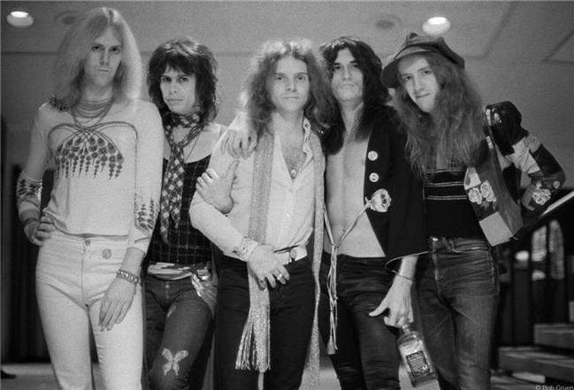 R-278_Aerosmith_EarlyGroupShot1973_Gruen