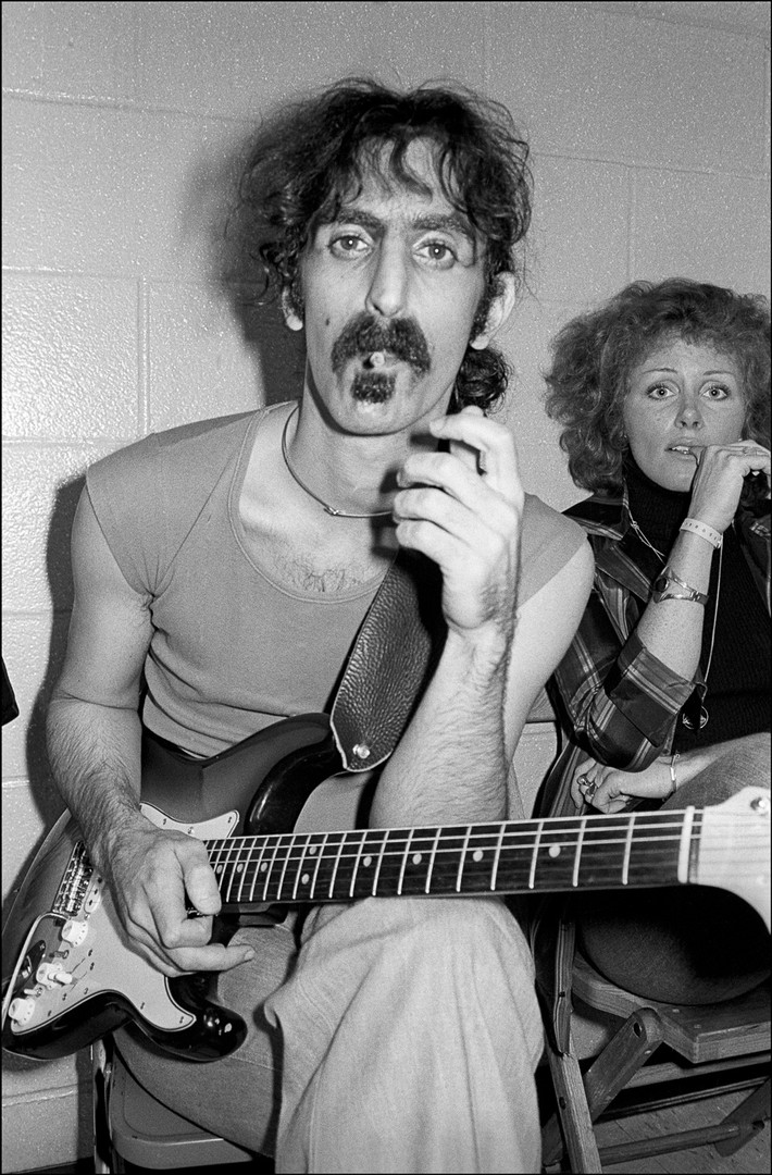 Frank_Zappa_Backstage_Cig.jpg