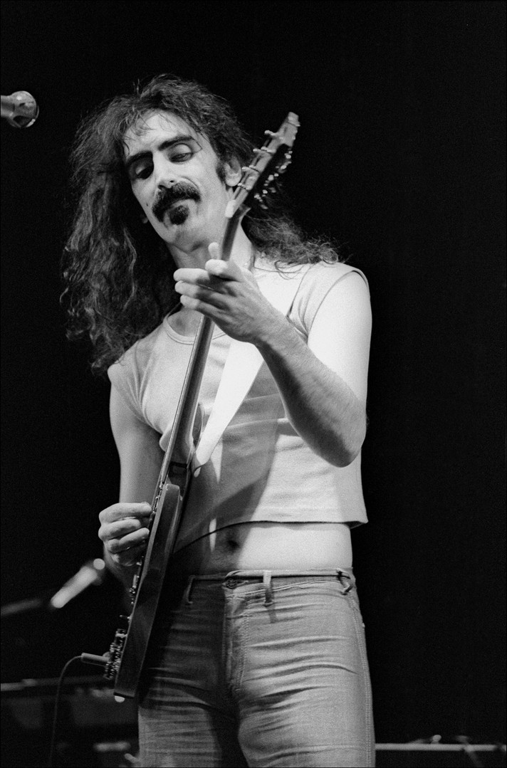 Frank_Zappa_Performance_820-18.jpg