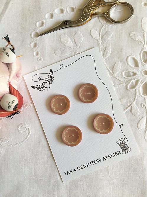 Vintage Buttons Pale pink & Cream Daisy