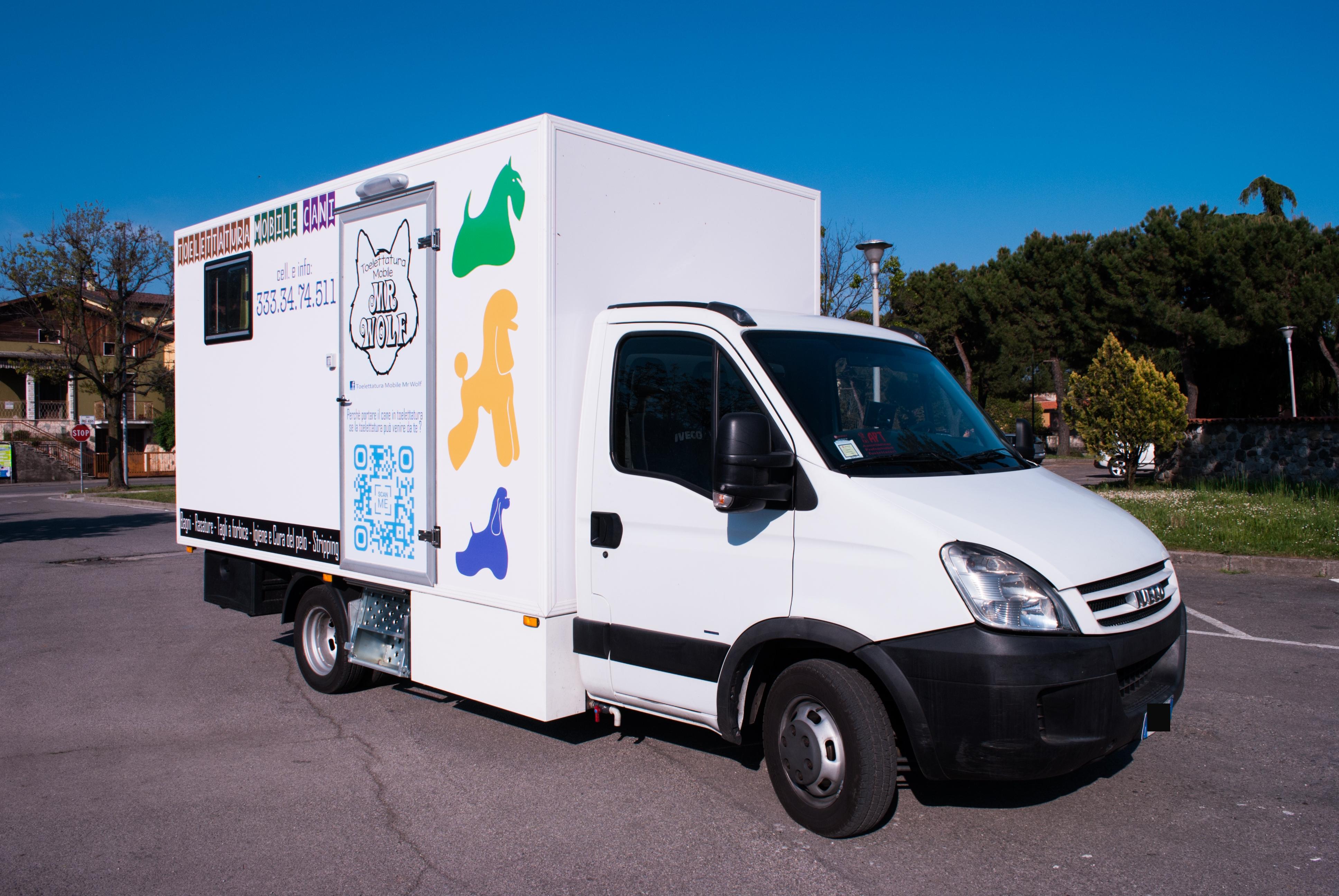 Vasca Da Toelettatura Usata : Toelettatura mobile mr wolf su furgone
