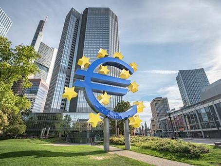 La BCE maintient le montant de son programme d'aides et reste vigilante