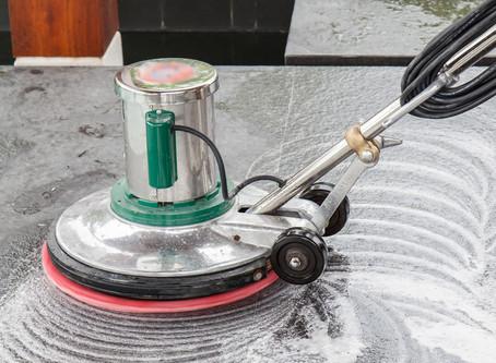 كيف نقوم بتنظيف الأرضيات والحفاظ عليها نظيفة ولامعة ؟
