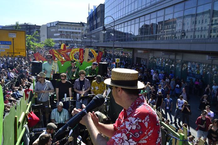 Flintstones Big Band Berlin Karneval der Kulturen