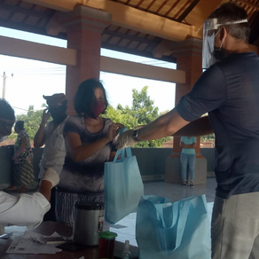 Another 100 food emergency packages distributed in Desa Adat Bitera