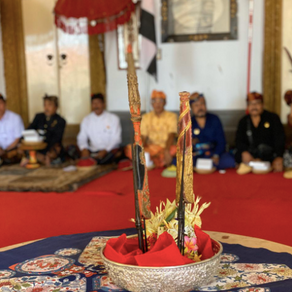 Tombaks returned to the Royal Palace of Klungkung