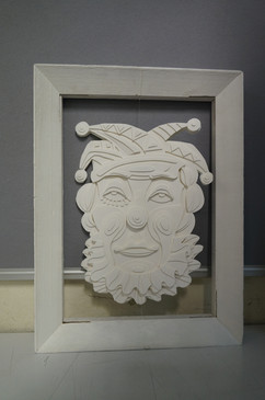 clown with frame