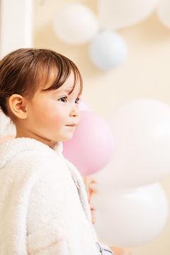 子供と風船.jpg
