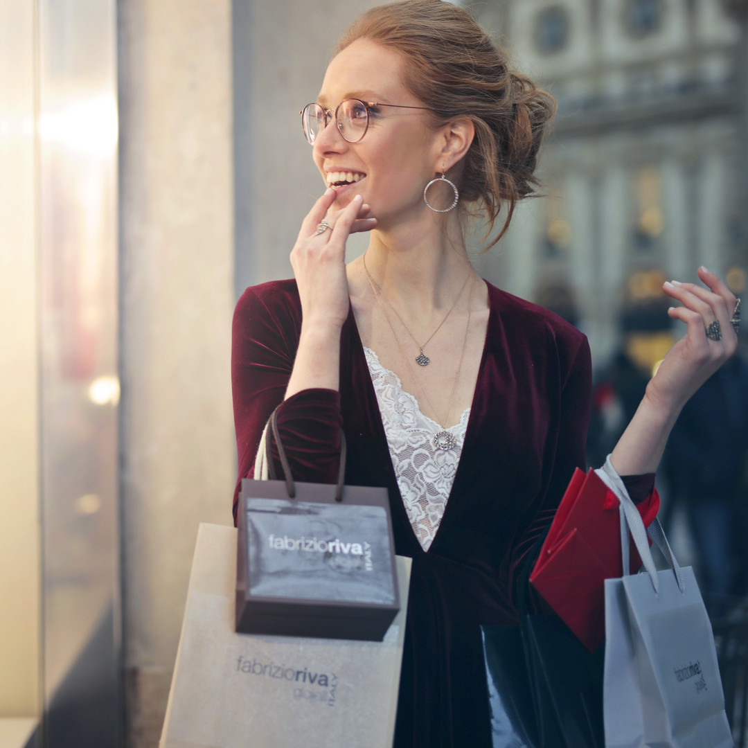 attractive-bags-beautiful-975250.jpg