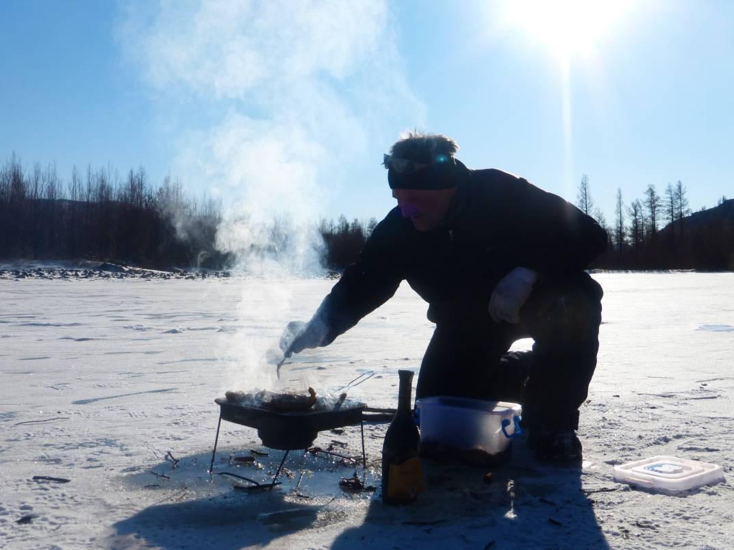 Barbecue sur la glace.JPG