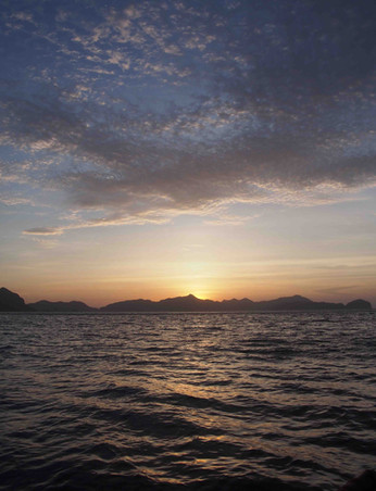 Sunset sky on the Bacuit bay - Philippin