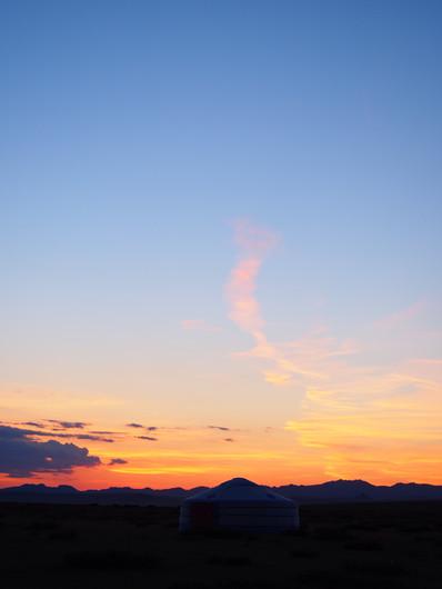 Sunset_over_the_sweet_gobi_(Övörkhangai,
