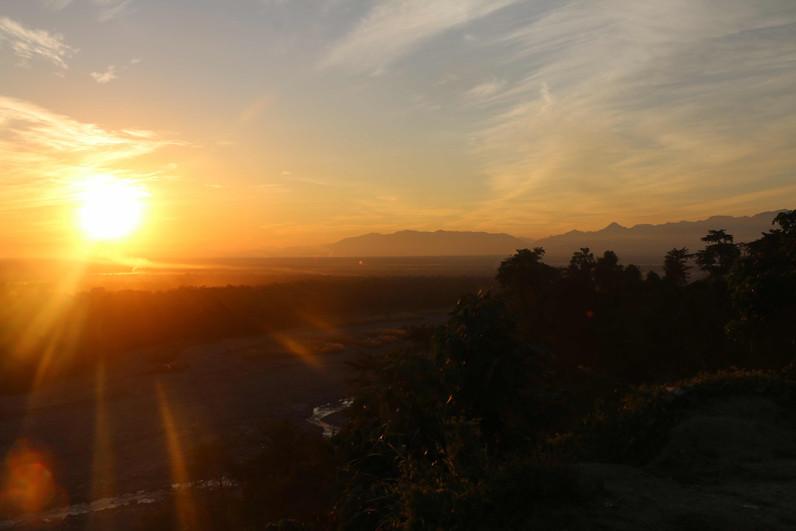 17-Sunset on Roing.jpg