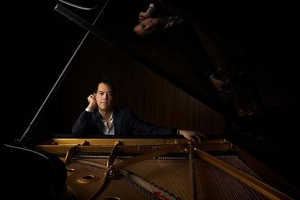 Frank Huang, press photo 1