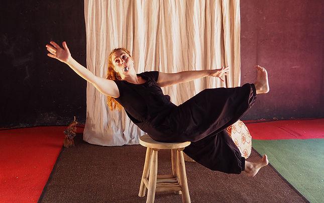 Foto espectacle Contes que bufa el vent_Cia. Violeta Antò_Teatre intantil_Animació infantil_contes_cuentos