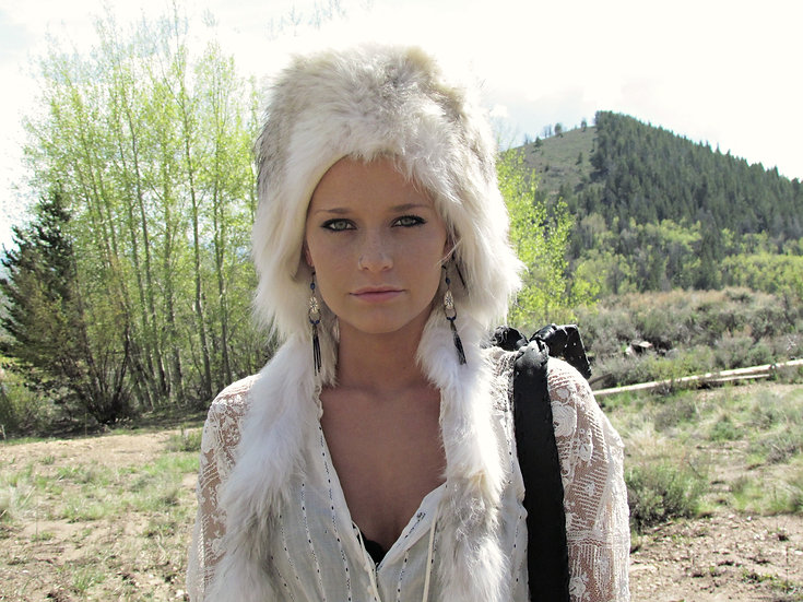 Mountain Coyote Fur Bonnet Hat