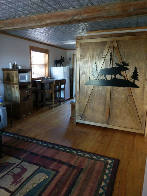 Majestic Moose Cabin