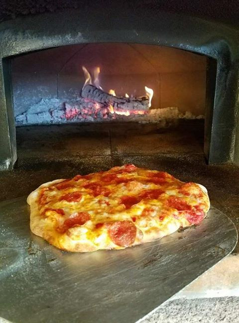 Pizza just out of the oven at Mansker Station
