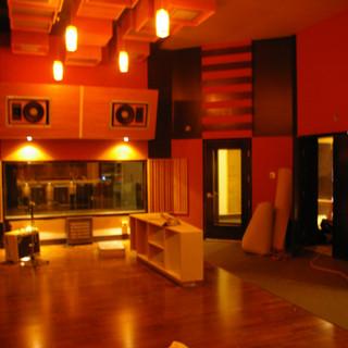Studio live floor