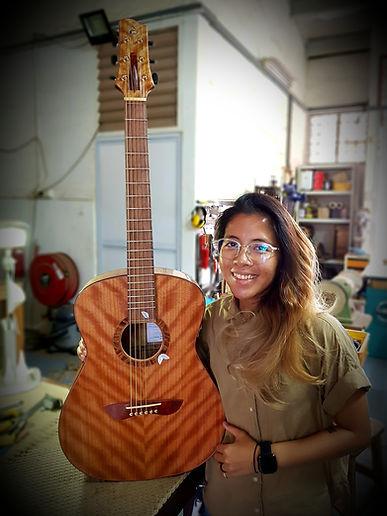 AdamCHAN Guitars 320.jpg