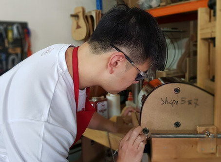 What did student gain from the Guitar Making Class by AdamCHAN Guitars?
