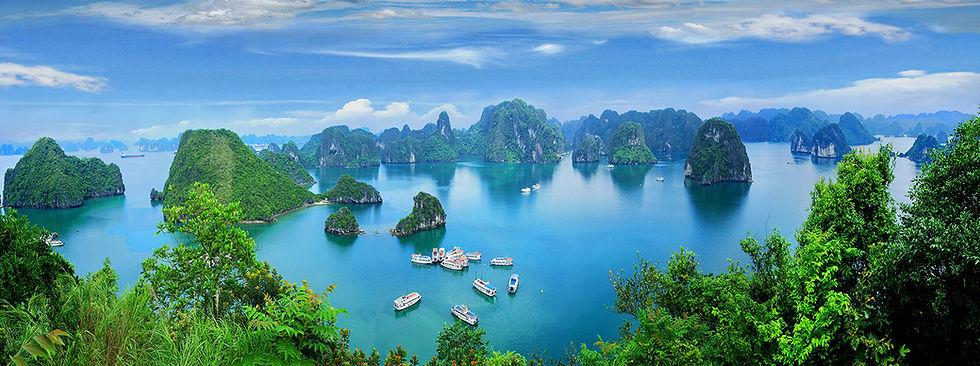 Ha-Long-Bay,-Viet-Nam.jpg