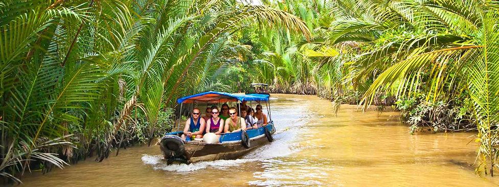 Vietnam-Ben_tre-Mekong_delta_river_touri