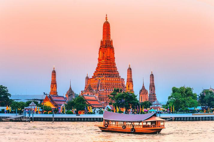 Wat-Arun-The-Temple-of-Dawn-Bangkok-Thai