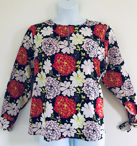 Black floral blouse top Size 20/22 from Be You [425]