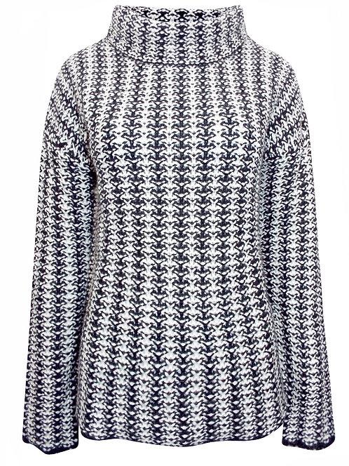Black & White Chunky knit jumper size 18/20