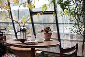 Tisch in Café