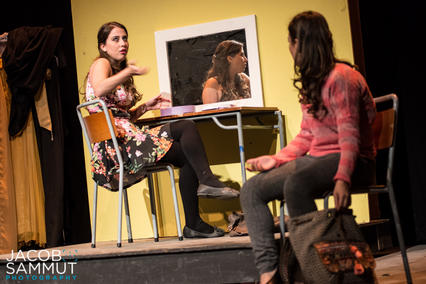 Lexy and Sabrina (Karen Decelis & Naomi Said) in their changing room.