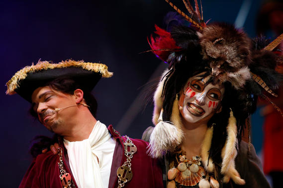 The Squire and the Voodoo Priestess (Joseph Zammit & Steffi Thake).