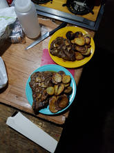 Having a steak and potatoe diner at 1100 pm with a glass of whiskey after a long day of hunting will be something we will remeber for ever.