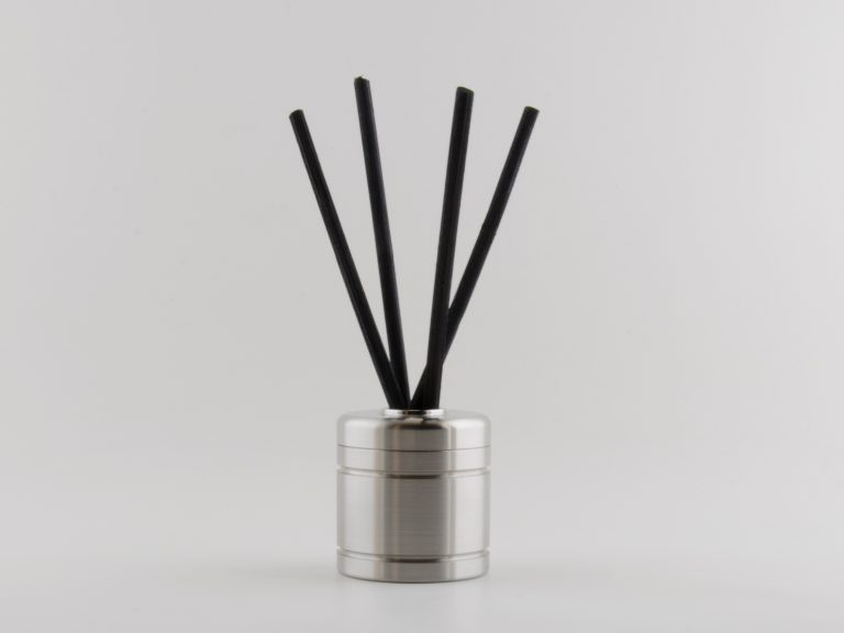 On trend design reed diffuser