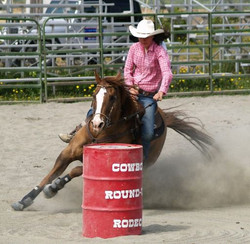 Barrel Racing at Chastain's rodeo!