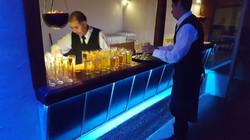 Bar iluminado